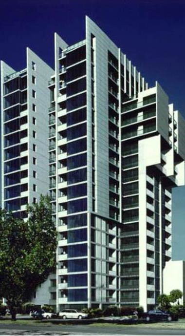 Aurora Apartments 582 St Kilda Rd, Melbourne 129 apartments - 19 levels